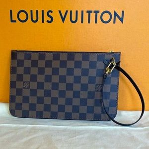 NWT 💎Neverfull Wristlet💎 by Louis Vuitton